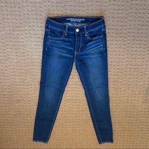 American Eagle Darker Wash Jeans!